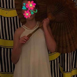Fin klänning från tessie i nyskick🌸