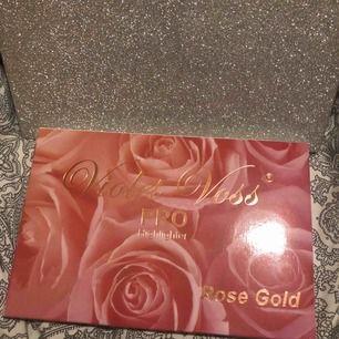 Highliter violet voss rosé gold Oanvänd o oöppnad ordinarie pris 600:-