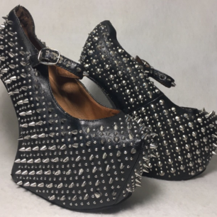 Jeffrey Campbell Havana. Some rivets are taken but otherwise in very good condition.