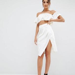 Kendall& Kylie kjol. Aldrig använd pga fel storlek.