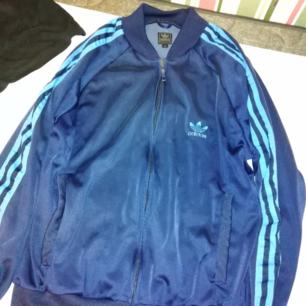 Adidas tröja blå