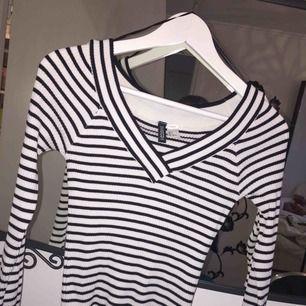 Mysig tröja från H&M i storlek S. Frakt tillkommer :)