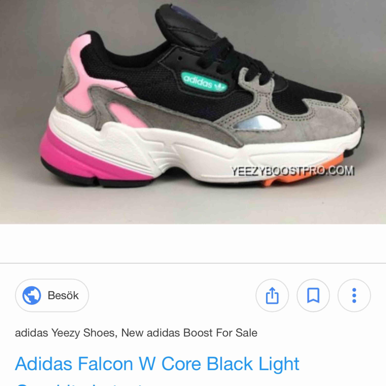 SÖKER!!!! Någon som säljer Falcon adidas skor för dam