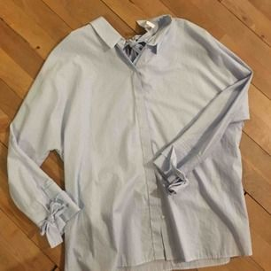 Ny oanvänd zara skjorta, randig! Fin på baksidan
