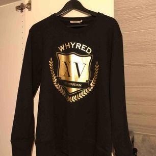 Oanvänd Whyred tröja, inget fel i övrigt den har bara inte kommit till använda.. frakten ingår