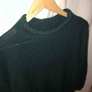Stickad tröja från Monki säljes för 120kr inkl frakt