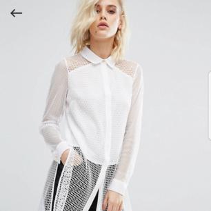 Helt ny mesh skjorta från River Island som tyvärr aldrig blivit använd. Nypris 470 kr.