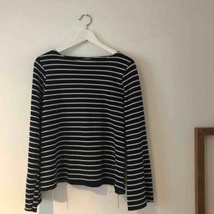 Suprmysig båtringad tröja från Zara! Strl S men passar även större storlekar!