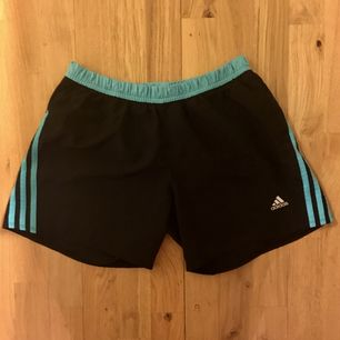 Adidas shorts (S-M) | Meet ups in Sthlm / post fee not included in price ✨