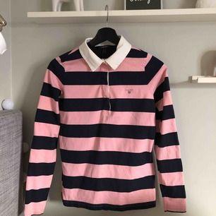 Gant tröja stl S. Kommer inte till användning, fint skick. Köparen betalar frakt, annats möts upp i Falun/Borlänge