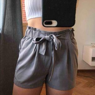 Gråa oanvända shorts från BikBok, strl S, 70kr (frakt på 39kr tillkommer ✉️🕊)