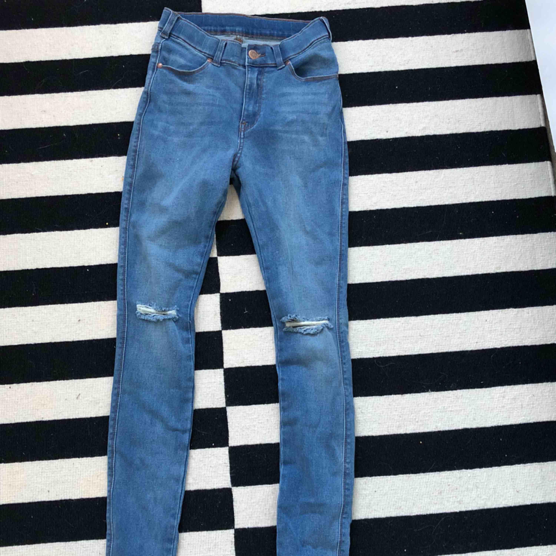stretch stuprör jeans från dr denim i mycket fint skick, knappt använda.. Jeans & Byxor.