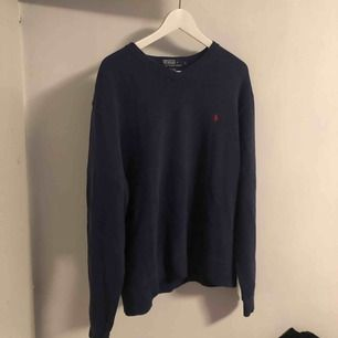 Polo sweatshirt strl L köpt på beyond retro
