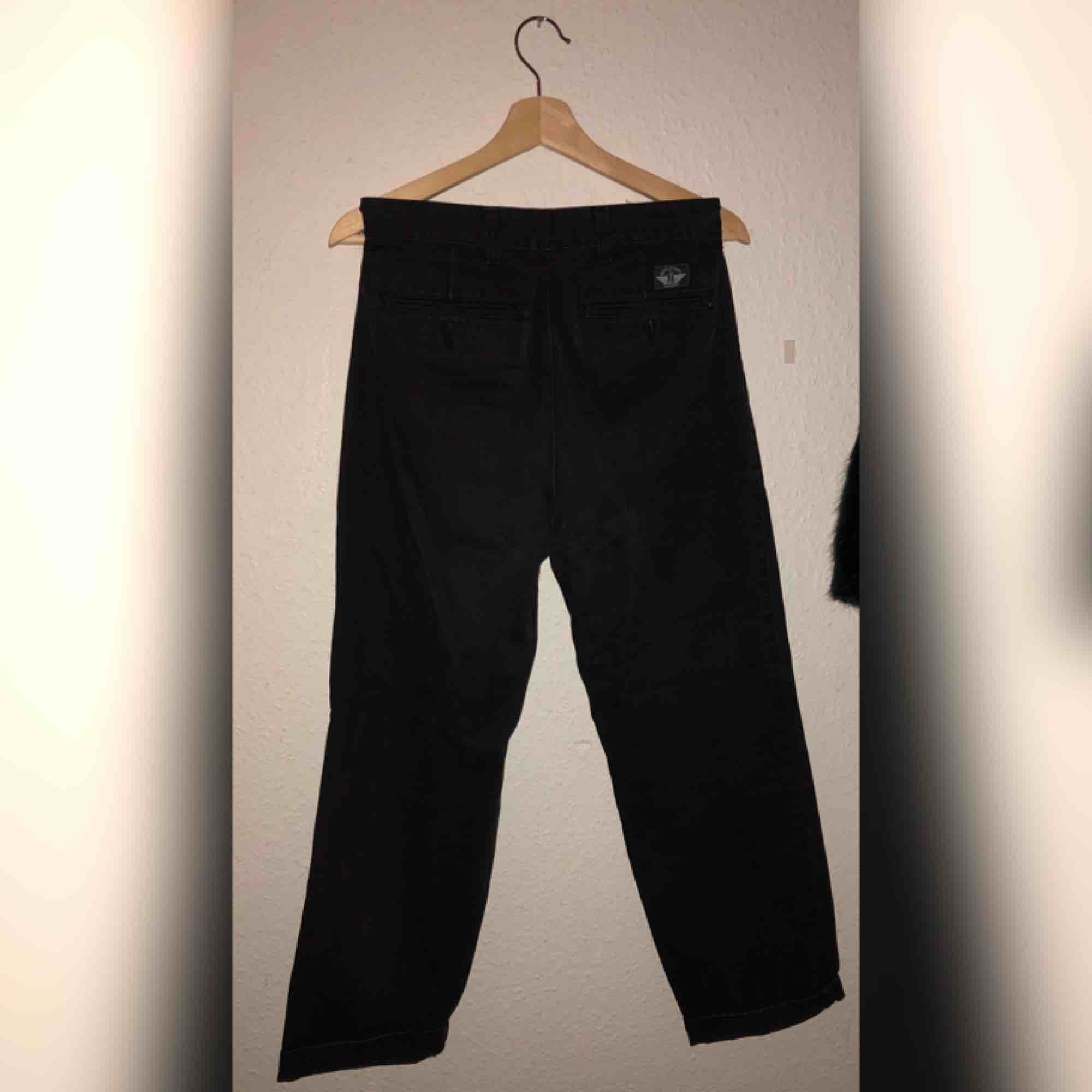 Vintage Dockers jeans in black. Slightly faded from wash. Price includes shipping.. Jeans & Byxor.