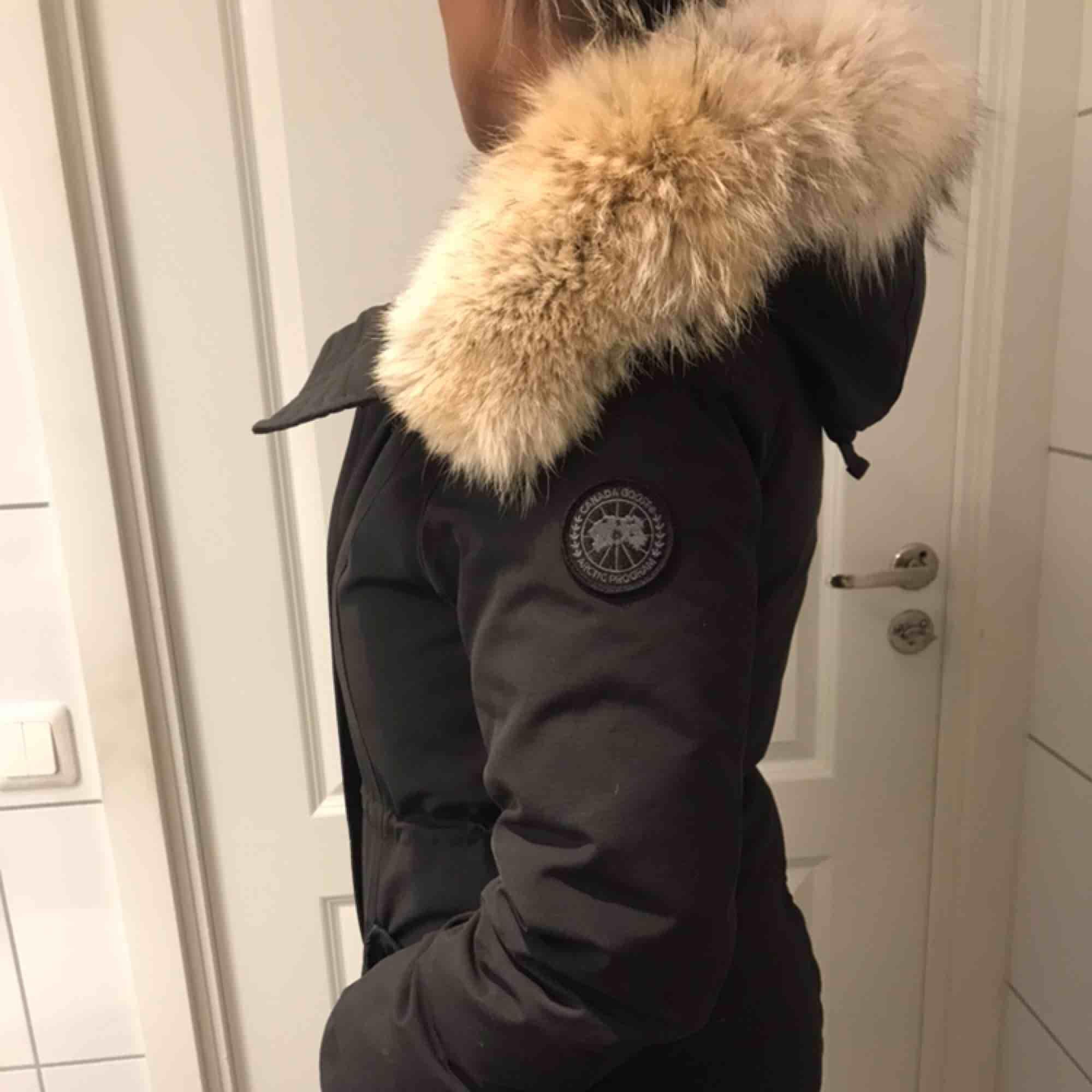 Säljer min black label parka rossclair - Canada Goose Jackor ... 5909112e81b21