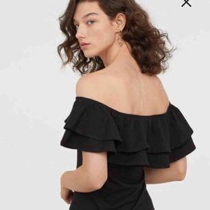 Snygg klänning, aldrig använd! Storleken funka även för en M