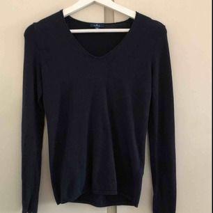 Marinblå tröja från tom tailor. Använd en gång
