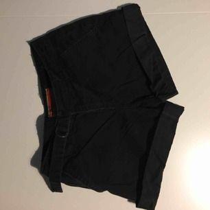 Svarta Shorts, bra skick