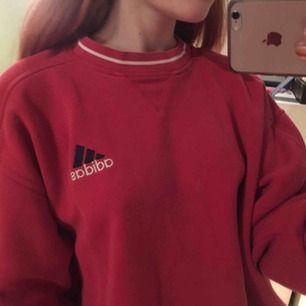 Retro adidas sweater, jätte mysig och oversize