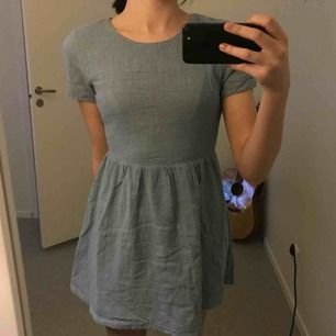 FRAKT INRÄKNAT I PRISET!!  Klänning från Girl in the sun. Köpt av en annan Plick användare men tyckte inte att den passa mig tyvärr.  Tar ej ansvar efter den skickats!