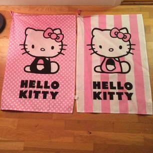 2 st nya Hello Kitty kökshanddukar. Priset är inkl frakt 🍂