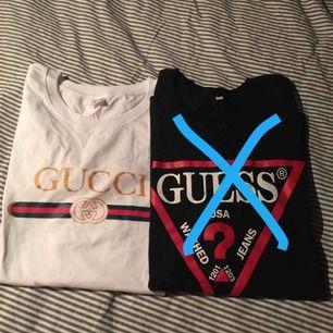Ny Gucci t-shirts strl XL men den är som L Inte äkta men väldigt bra kvalité  Endast seriösa köpare TACK!
