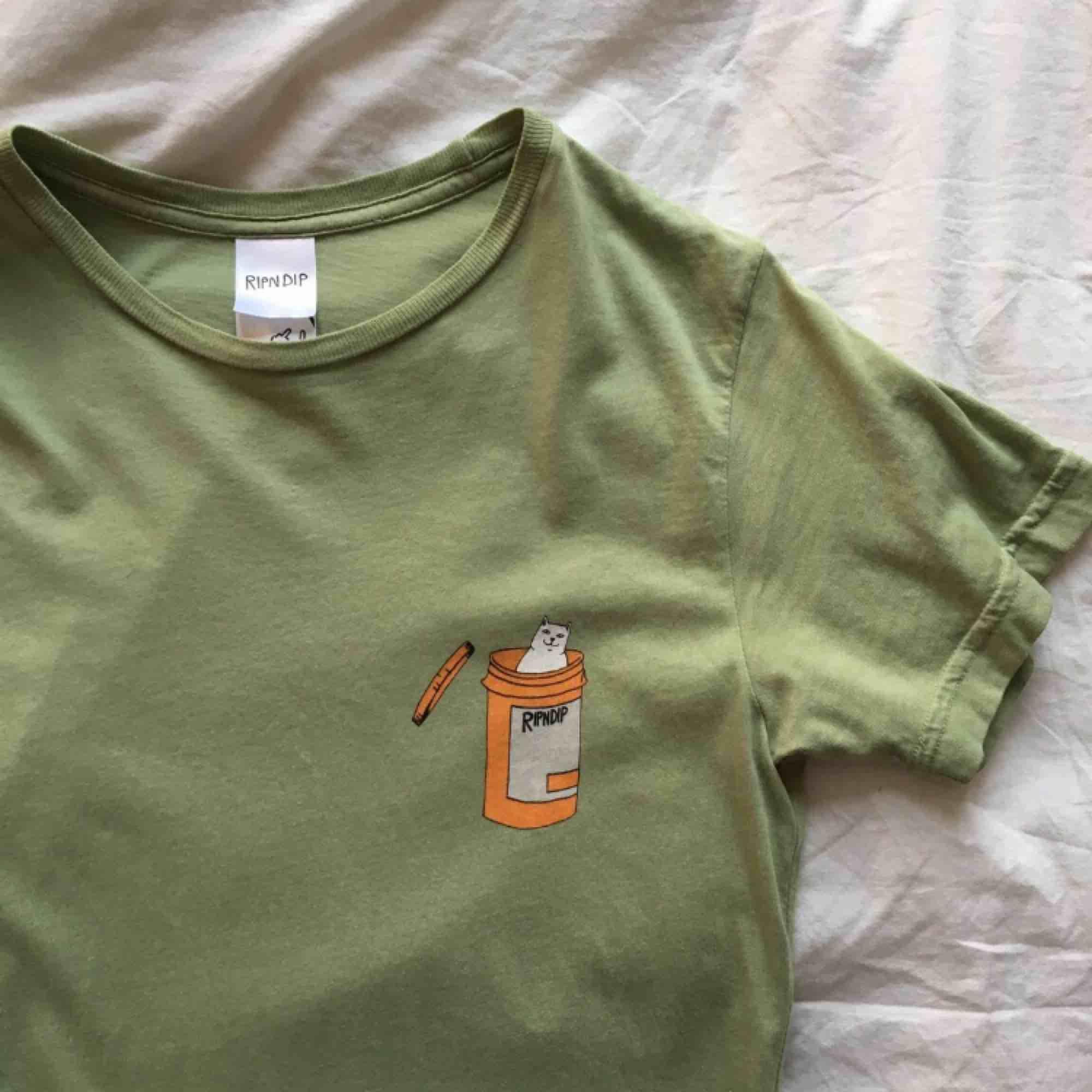 Ripndip t-shirt, strl S, 10/10 condition. T-shirts.