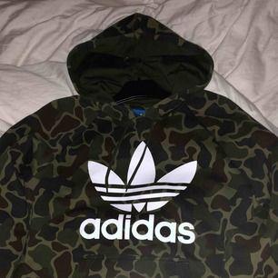 Adidas hoodie Som ny  Kan postas