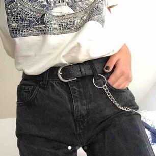 Skitsnygga jeans som jag köpte på plick men som tyvärr är för små :( kan mötas upp i sthlm eller frakta! ✨