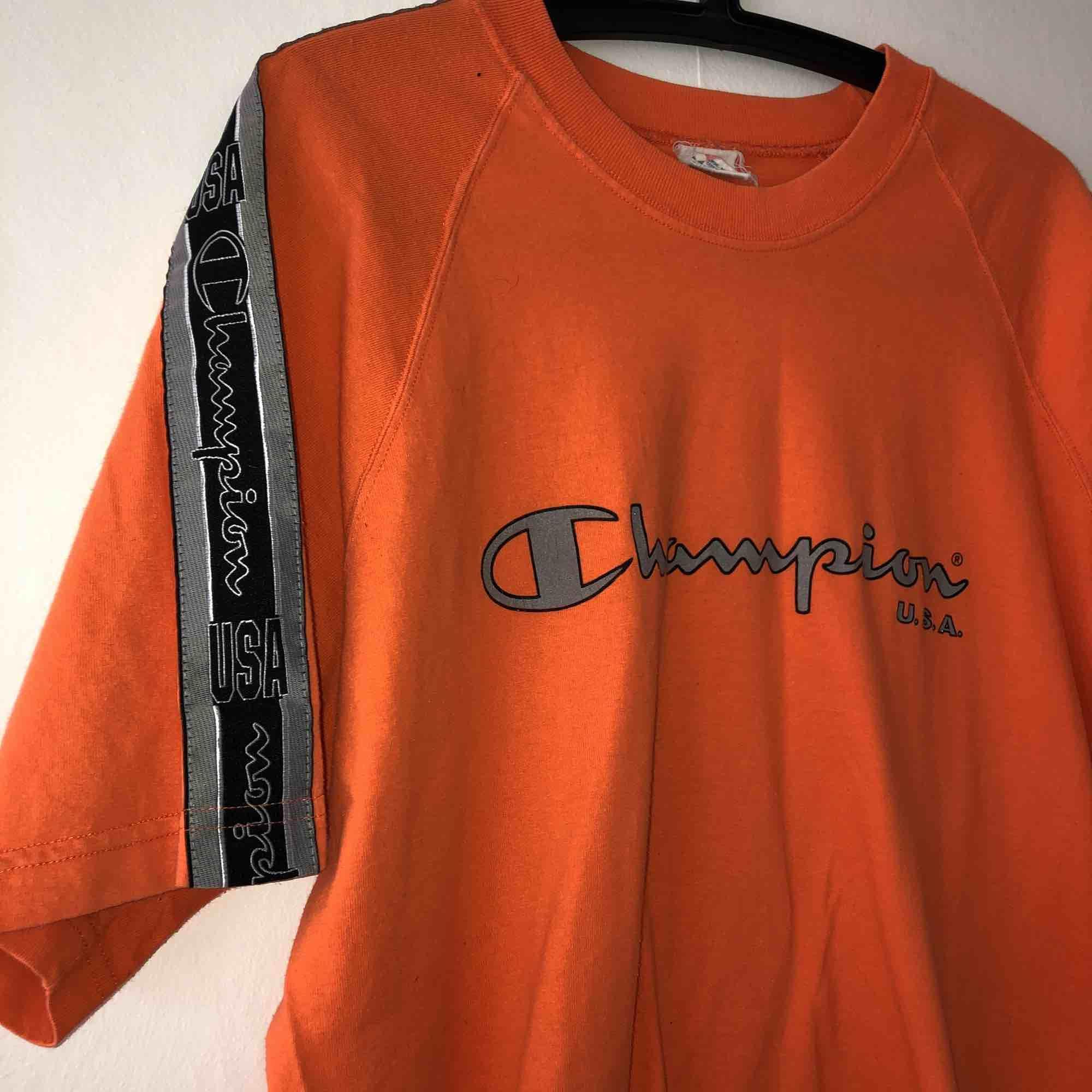 Vintage champion, använd en gång utav mig. T-shirts.