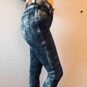 Monki jeans i XS/S