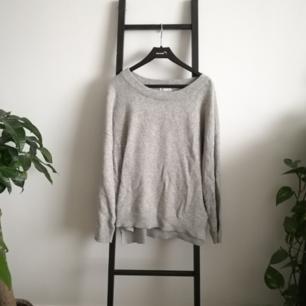 Superskön stickad tröja från Cubus! Använt skick men hel och ren! Möts upp i Stockholm.