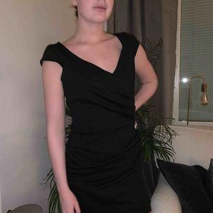 Svart klänning från Nelly!