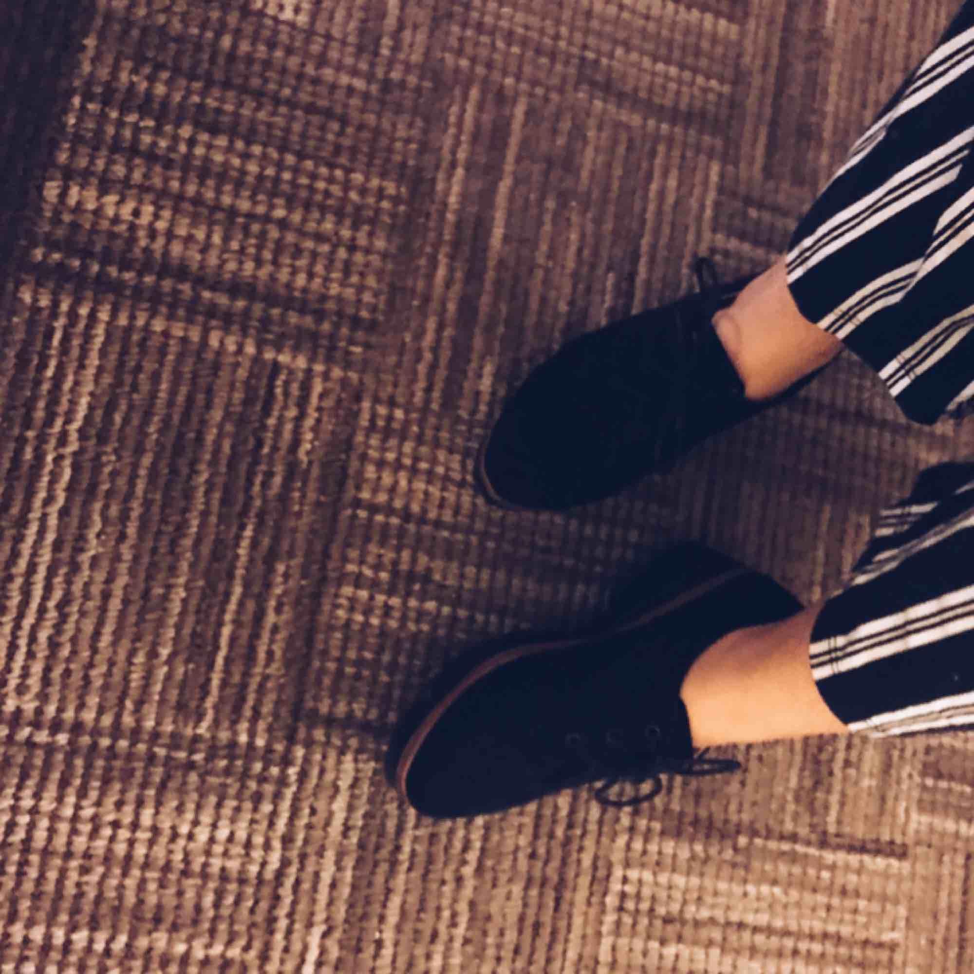 Super snygga skor använd fåtal gånger fortfarande lika nya och bra. Storlek 38 Köparen står för frakten, använder även Swish. . Skor.