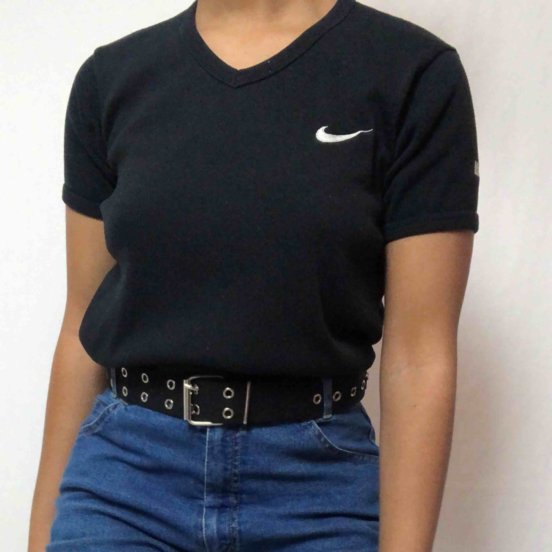 Nike T-shirt☀️ 40kr frakt. Läs policyn innan du köper :) . T-shirts.