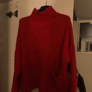 Säljer denna stickade tröja från chiquelle! 250kr💖💖 one size