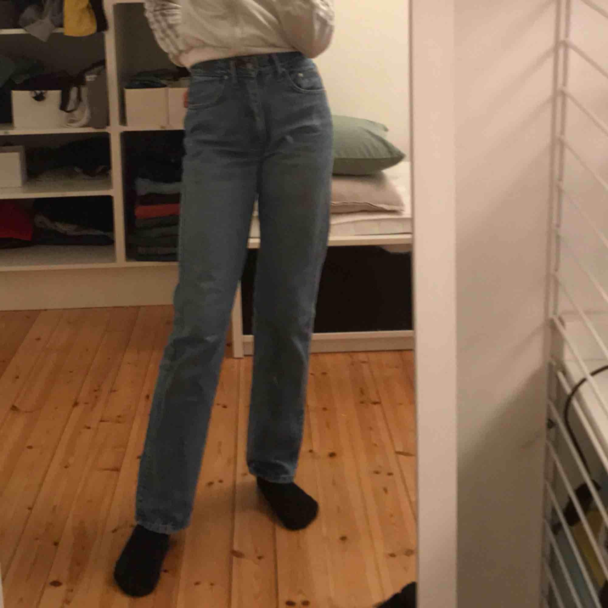 64d135d2877 Super sjyssta Äkta Versace jeans som är vintage, köpta på humana.