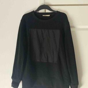 Sweatshirt från Whyred, knappt använd.