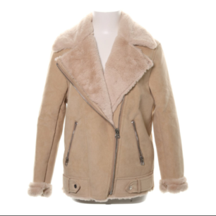 Söker denna mockajacka från H&M divided i storlek 36 (ev 38 beroende på) så hör gärna av dig om du vill sälja!!!!!!😍👏💕💕