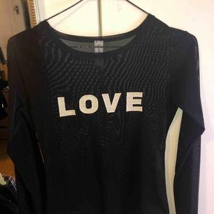 Helt ny bodysuit som jag har köpt från N*30 i Varberg  Den är onesize så den passar från xs-l   Tar swish, frak ligger på 40kr