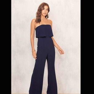 Säljes pga för kort. jumpsuit ifrån Chiquelle, nypris 59.95 Euro så ca 600kr. Jag säljer för 180 + ev frakt.