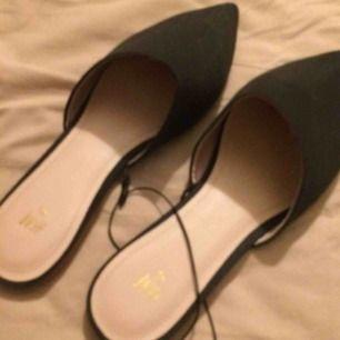 Nya fin skor från h&m enast testade  Säljer pågrund av fel stl