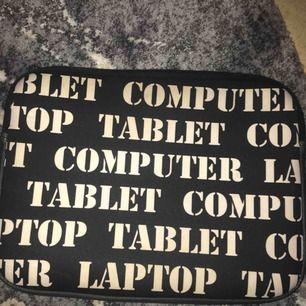 Säljer en sparsamt använd dator/ipad fodral