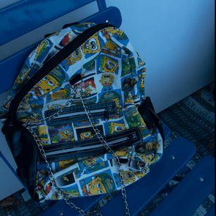 Skitcool Svampbob-ryggsäck 🎒 Använd en gång men förtjänar så mycket mer!! 🌱 Frakt tillkommer
