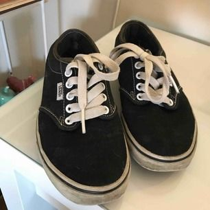 Classic vans skor i storlek us 6/EU 36 köparen står för frakt!