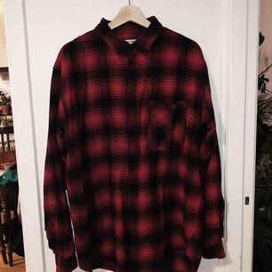 Skjorta från Junkyard. Aldrig använd.