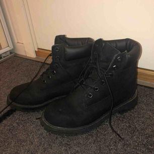 Köpte dessa Timberland skor för cirka ett år sen. Har bara använt dem en gång.❤️