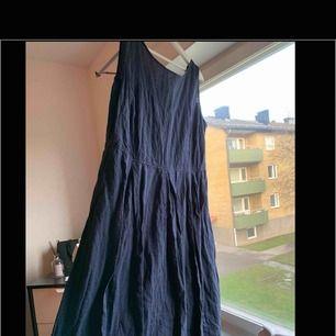 Klänning från Kappahl. Knappt använd. Storlek: 50 100 kr eller bud