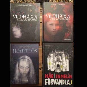 Vildväxa-böckerna var min personliga favorit och är riktigt bra skrivna fantasyböcker. Hjärtlös var en bok som jag läste med skräckblandad  förtjusning då den var läskig men bra.Vildhäxa- böckerna säljs tillsammans men de andra kan köpas separat för 60kr