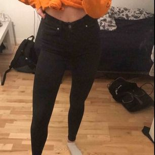 Dr denim jeans bra skick, höga i midjan